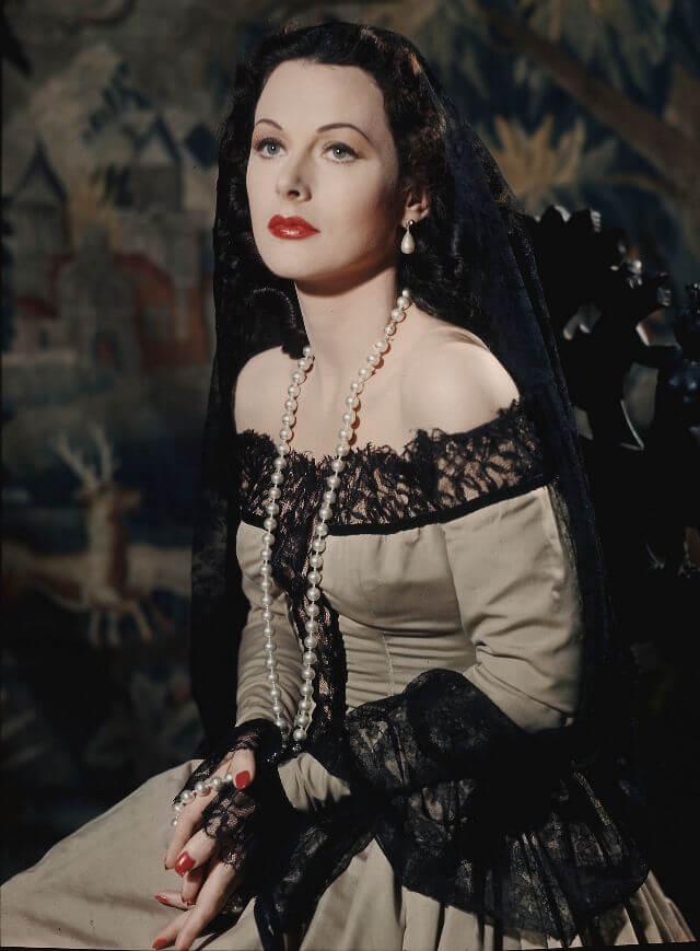Фотография Хеди Ламарр (Hedy Lamarr) - американской актрисы и изобретателя 1930-40