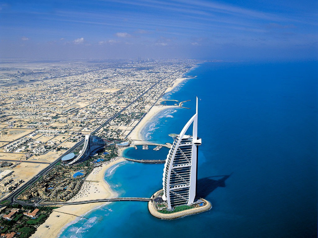 Самая большая выставка улыбающихся детей прошла в ОАЭ, Дубае, в ней находилось 18 000 фотографий.
