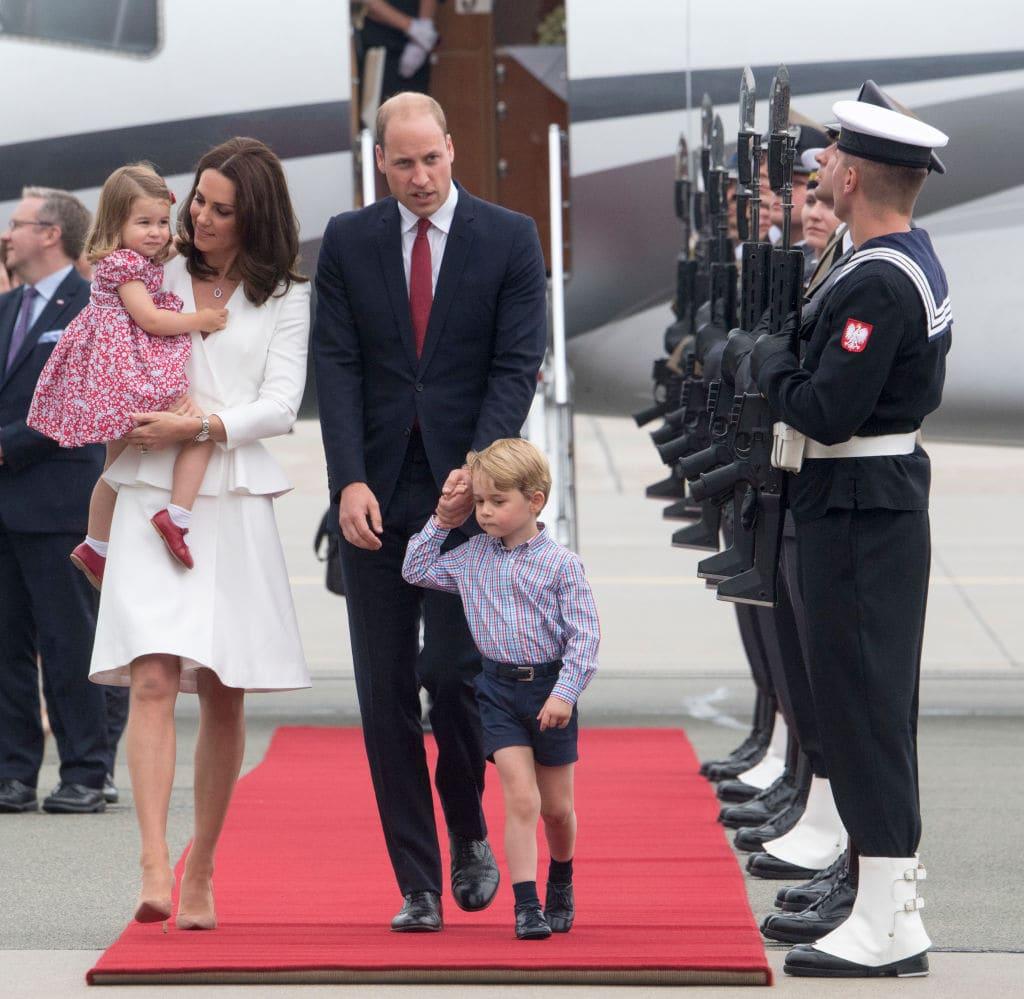 Королевская семья путешествует