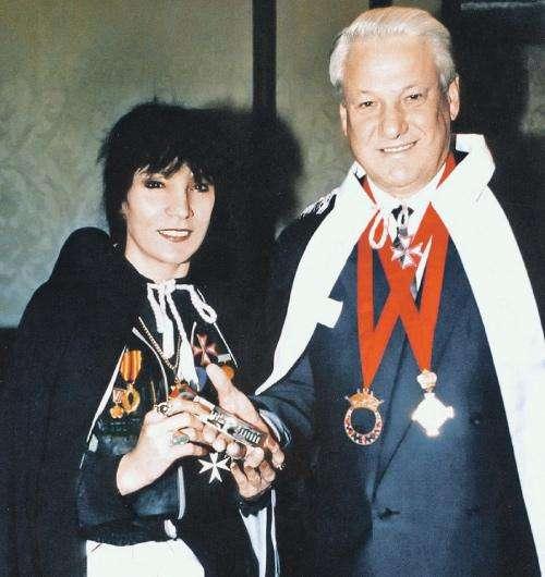 Джуна и Ельцин