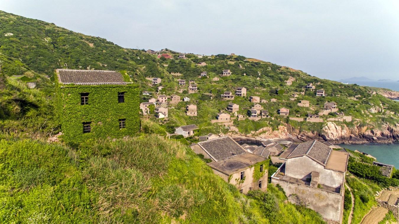 Воздушный тур по заброшенной китайской рыбацкой деревушке Хоутуван