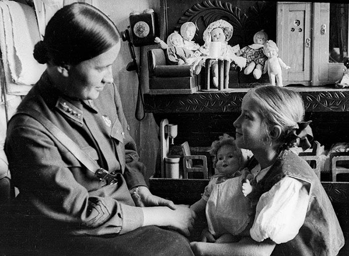 Марина Раскова и дочь Татьяна
