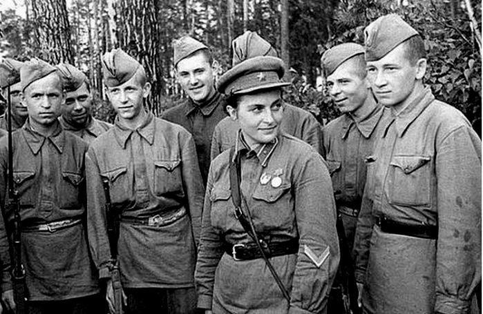 Павличенко с молодыми бойцами