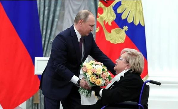 Галина Волчек и Владимир Путин