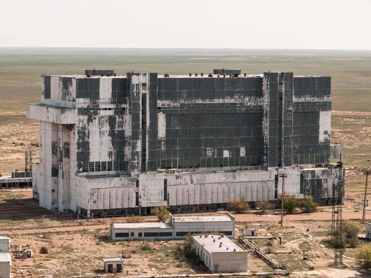 Большая часть инфраструктуры в Байконуре уже не используется