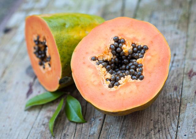 Манго, папайя, помело и подобные им плоды способны вызвать у детей пищевое отравление