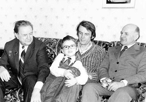 Детство с отцом Геннадием