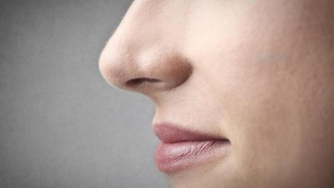Не трогайте постоянно нос и рот