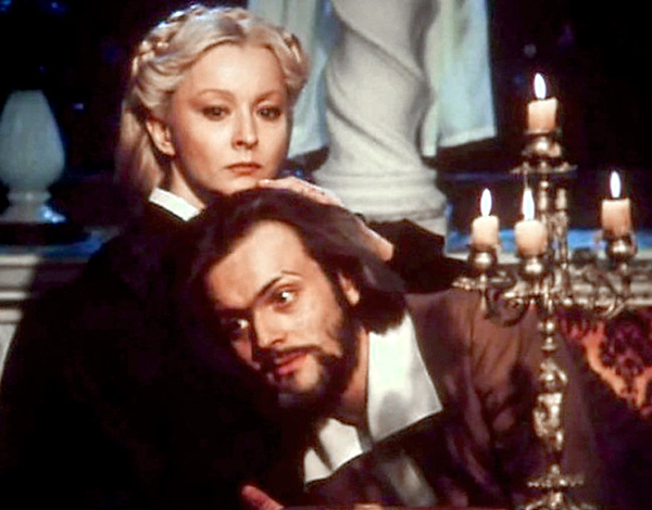 В фильме «Овод», вышедшем в 1980 г., Джемму и Артура сыграли Анастасия Вертинская и Андрей Харитонов